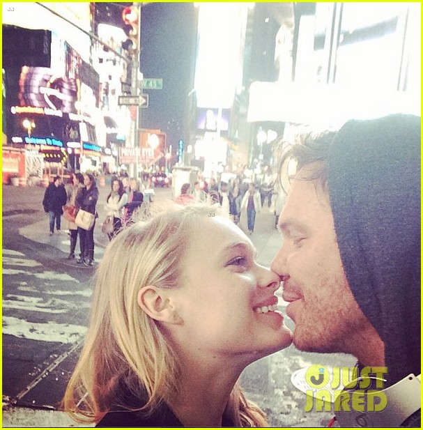 jim parrack getting divorced currently dating leven rambin 063128691