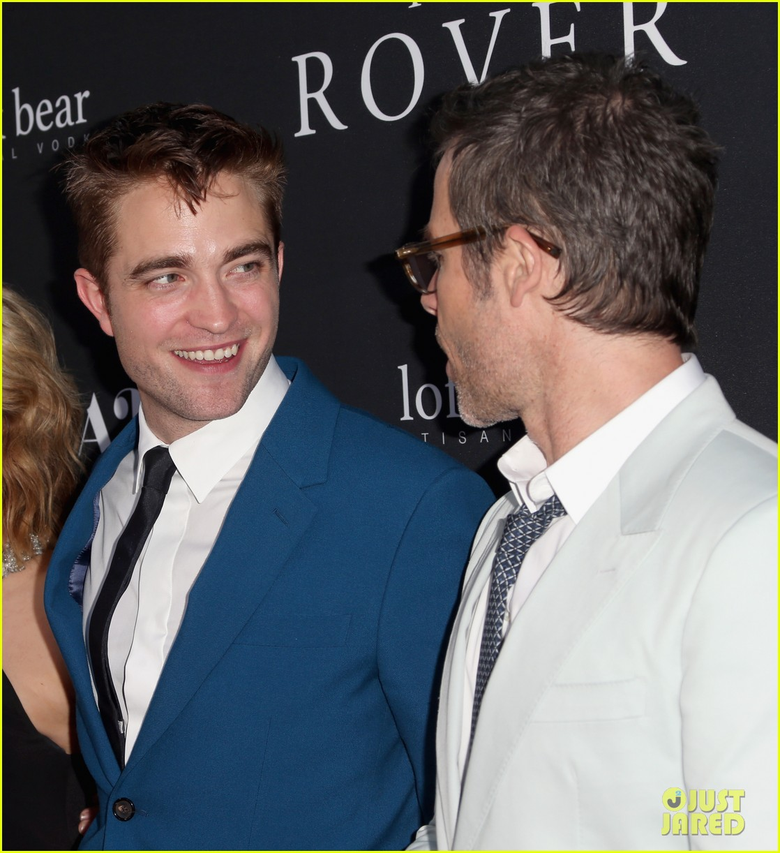 robert pattinson guy pearce rover hollywood premiere 033134355