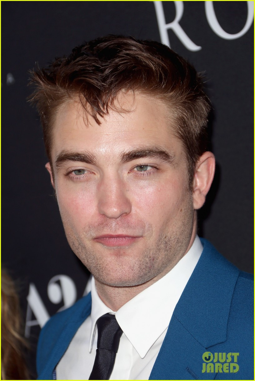 robert pattinson guy pearce rover hollywood premiere 103134362