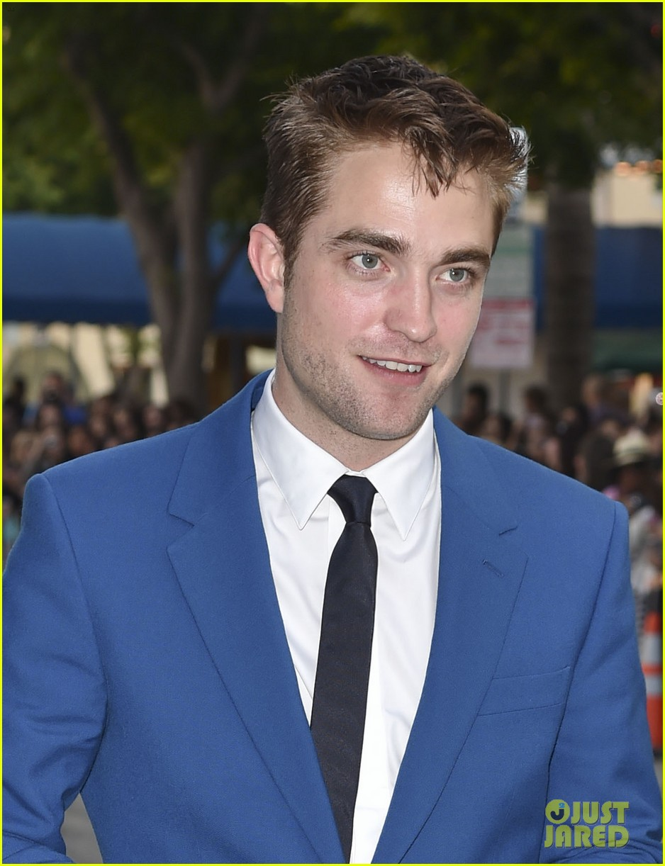 robert pattinson guy pearce rover hollywood premiere 183134370