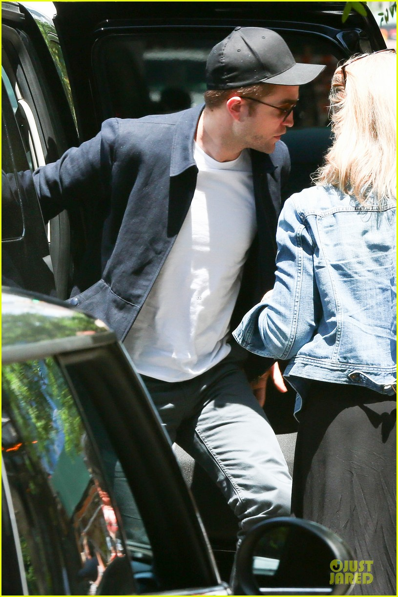 robert pattinson gushes about jennifer lawrence 043139182
