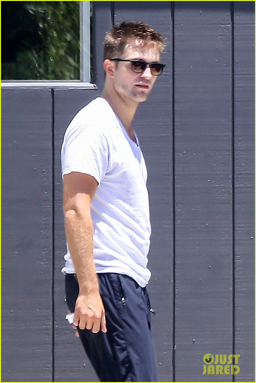 robert pattinson level headed normal 023128238