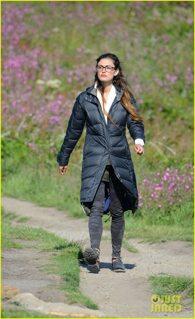 paul wesley la phoebe tonkin take down wales 043137924