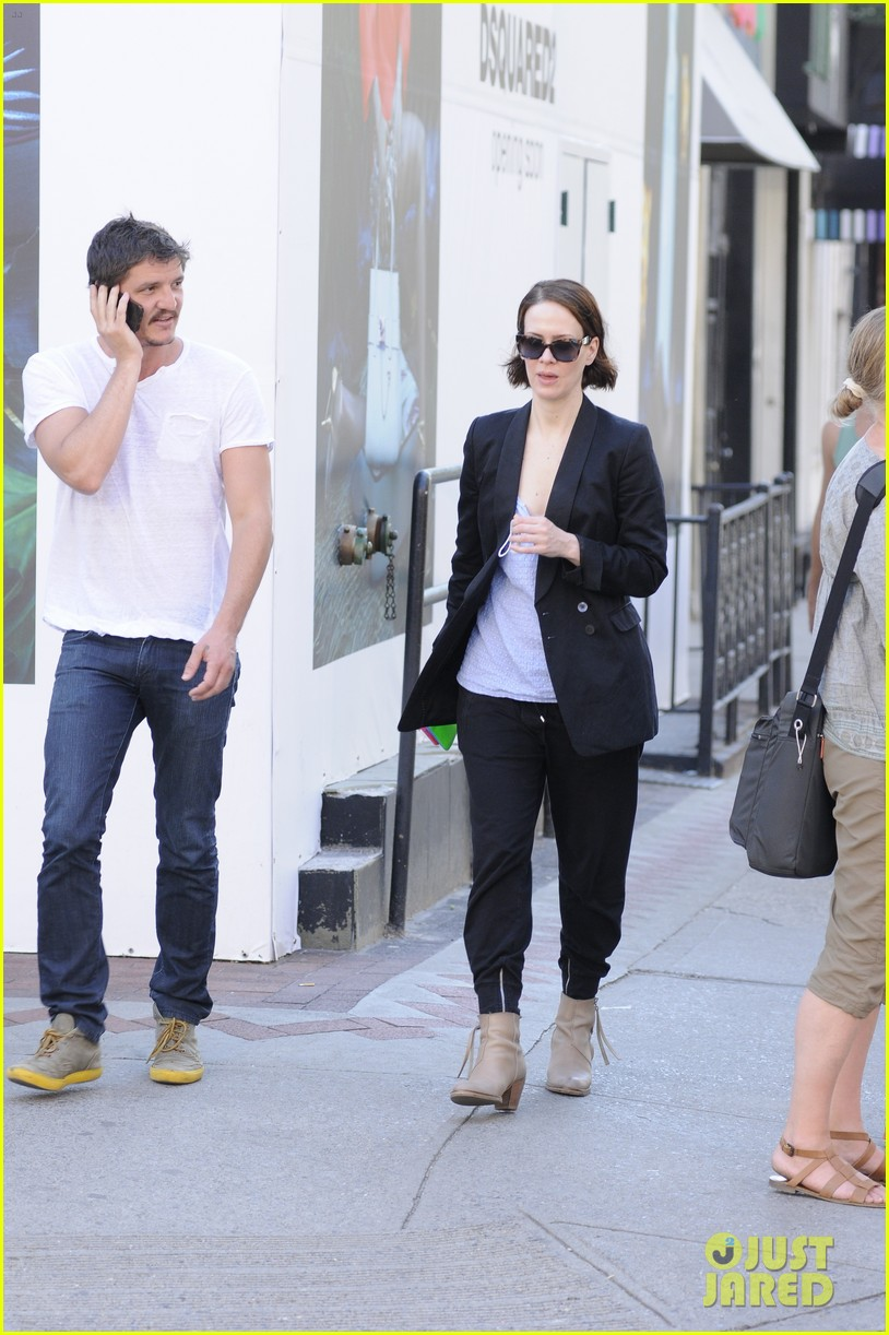 sarah paulson beau stroll around new york 083127385