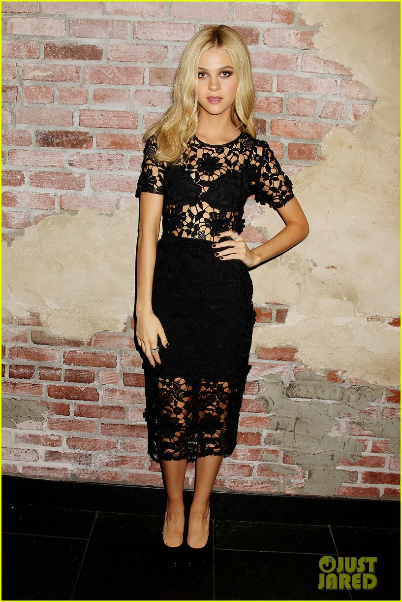 nicola peltz switches it up for transformers after party 013143619