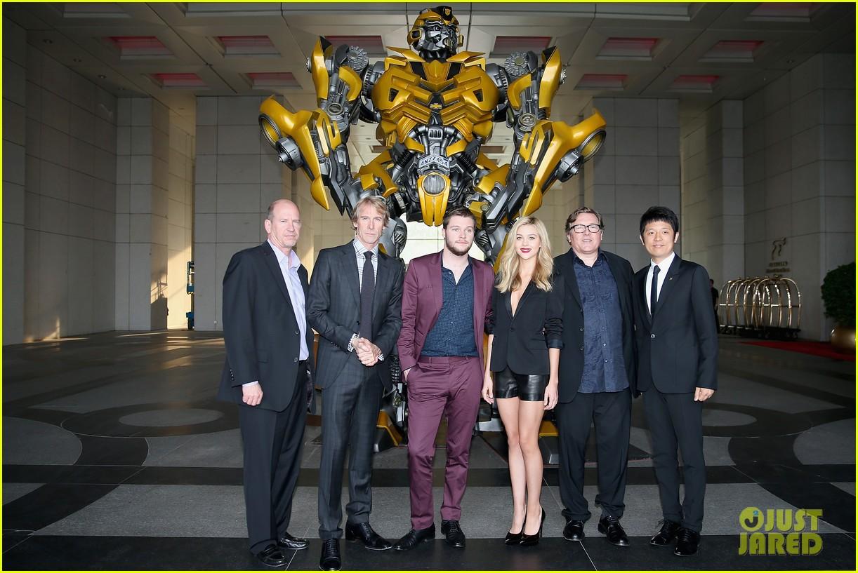 nicola peltz jack reynor transformers beijing premiere 033141763