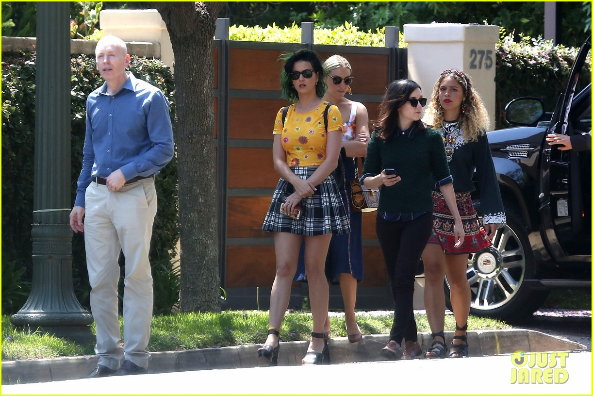 katy perry wishes happy fathers day to her dad 293136460