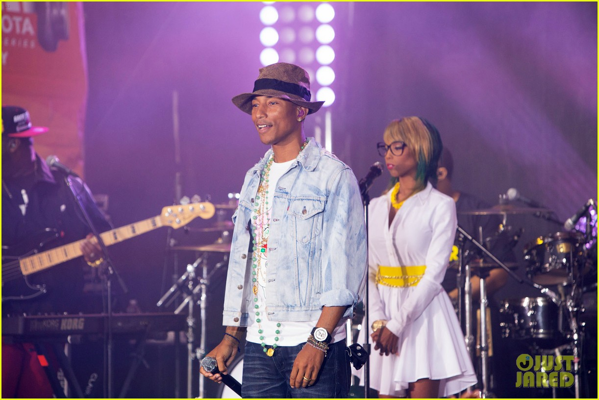 pharrell performs happy come get it bae on today show 043128826