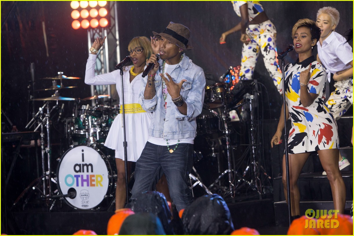 pharrell performs happy come get it bae on today show 103128832