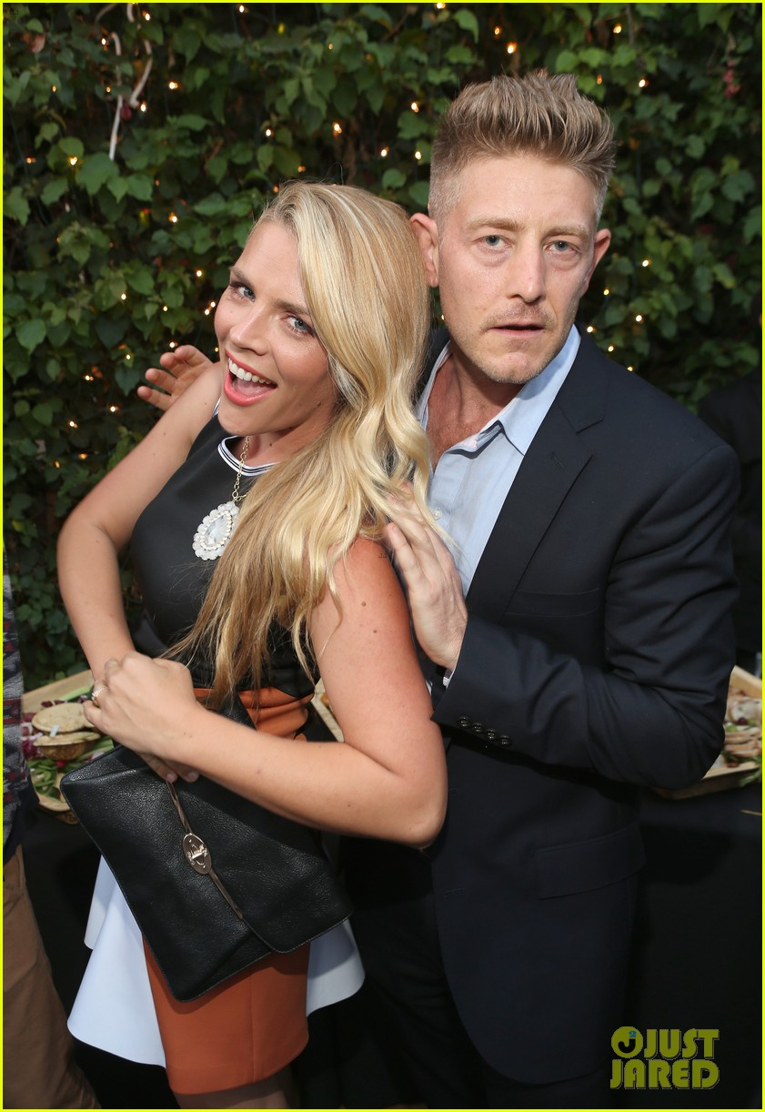 busy philipps celebrates her birthday at jason nash is married premiere 103143808