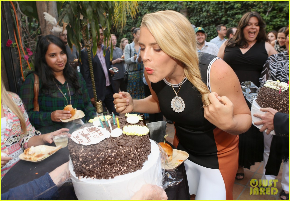 busy philipps celebrates her birthday at jason nash is married premiere 123143810