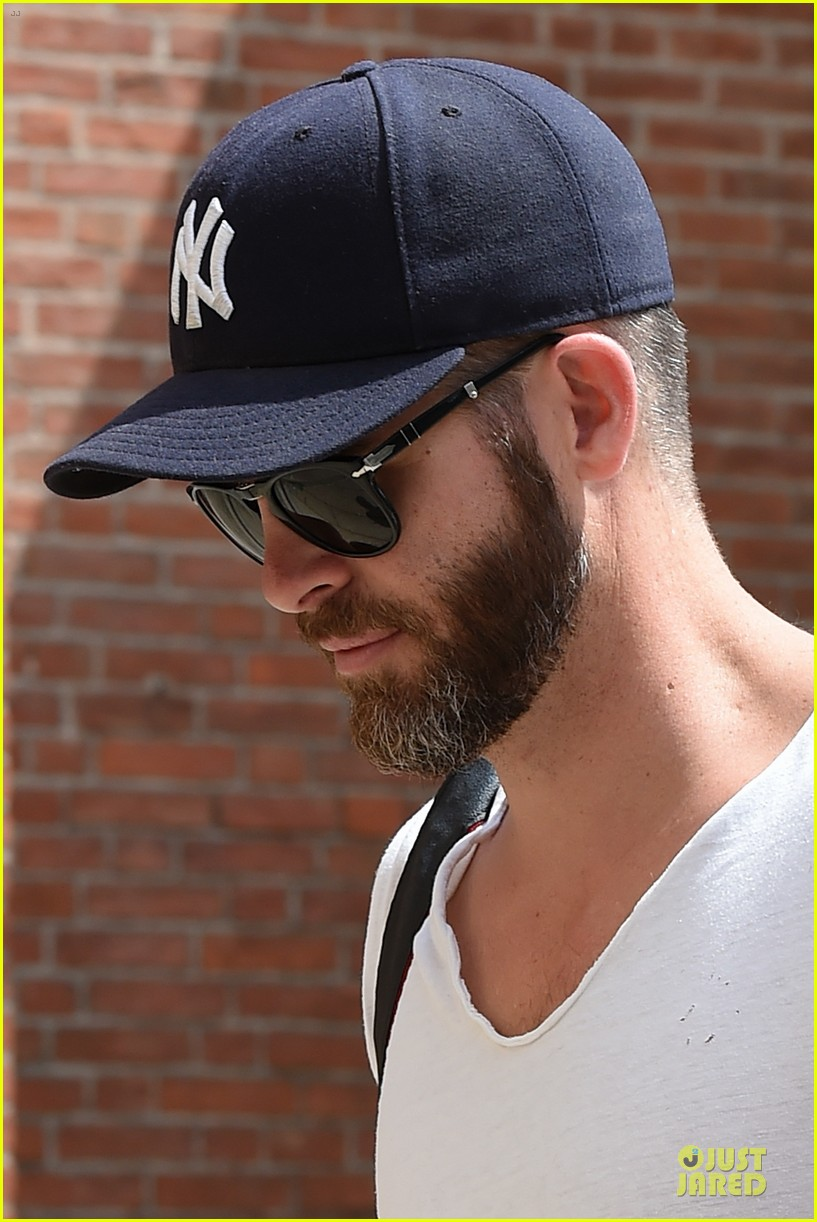 chris pine capture moments in italy 163142814