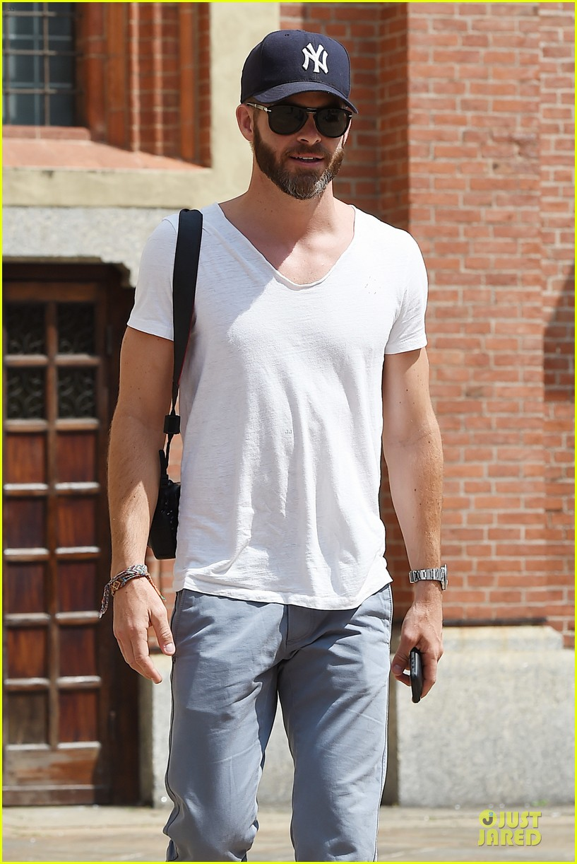chris pine capture moments in italy 193142817