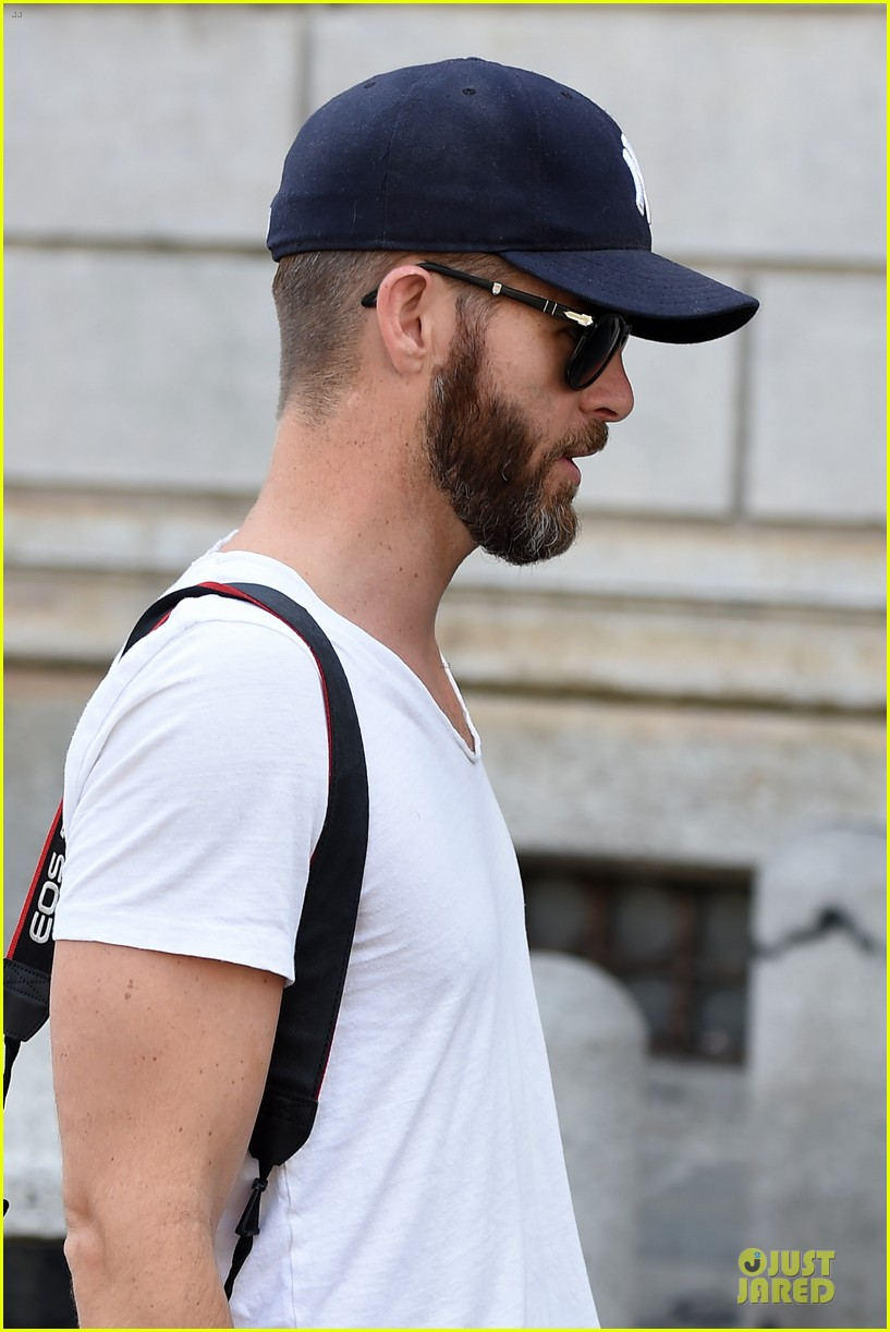 chris pine capture moments in italy 243142822