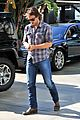 chris pine taylor kitsch give us eye candy at kings game 18