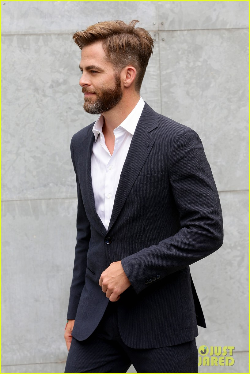 chris pine jets to milan for giorgio armani menswear fashion show 053142259