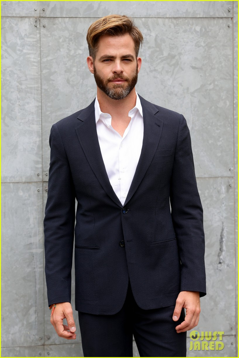 chris pine jets to milan for giorgio armani menswear fashion show 063142260