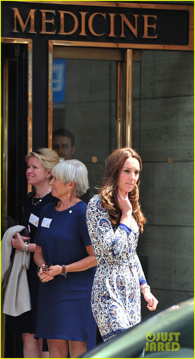 kate middleton steps out after pippa today interview 013146999