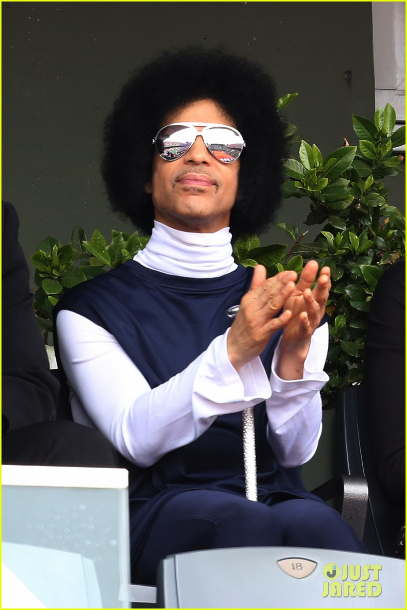 prince holds court with his sceptor at the french open 143126481