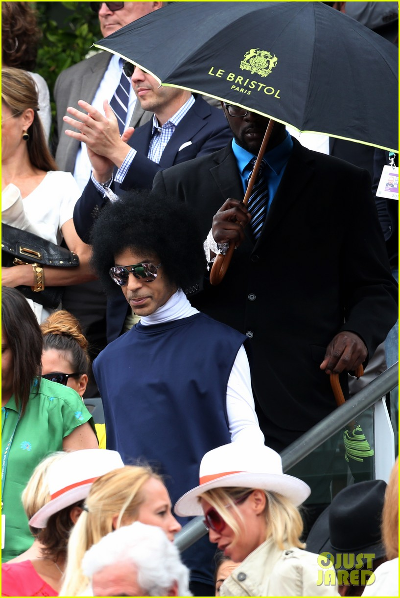 prince holds court with his sceptor at the french open 163126483