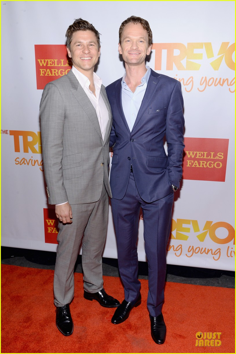 zachary quinto neil patrick harris help lgbtq youth 013136856