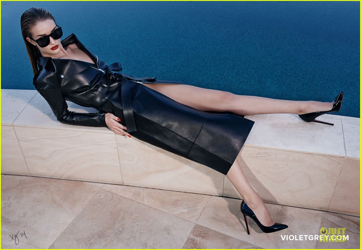rosie huntington whiteley heats it up for violet grey 143139084