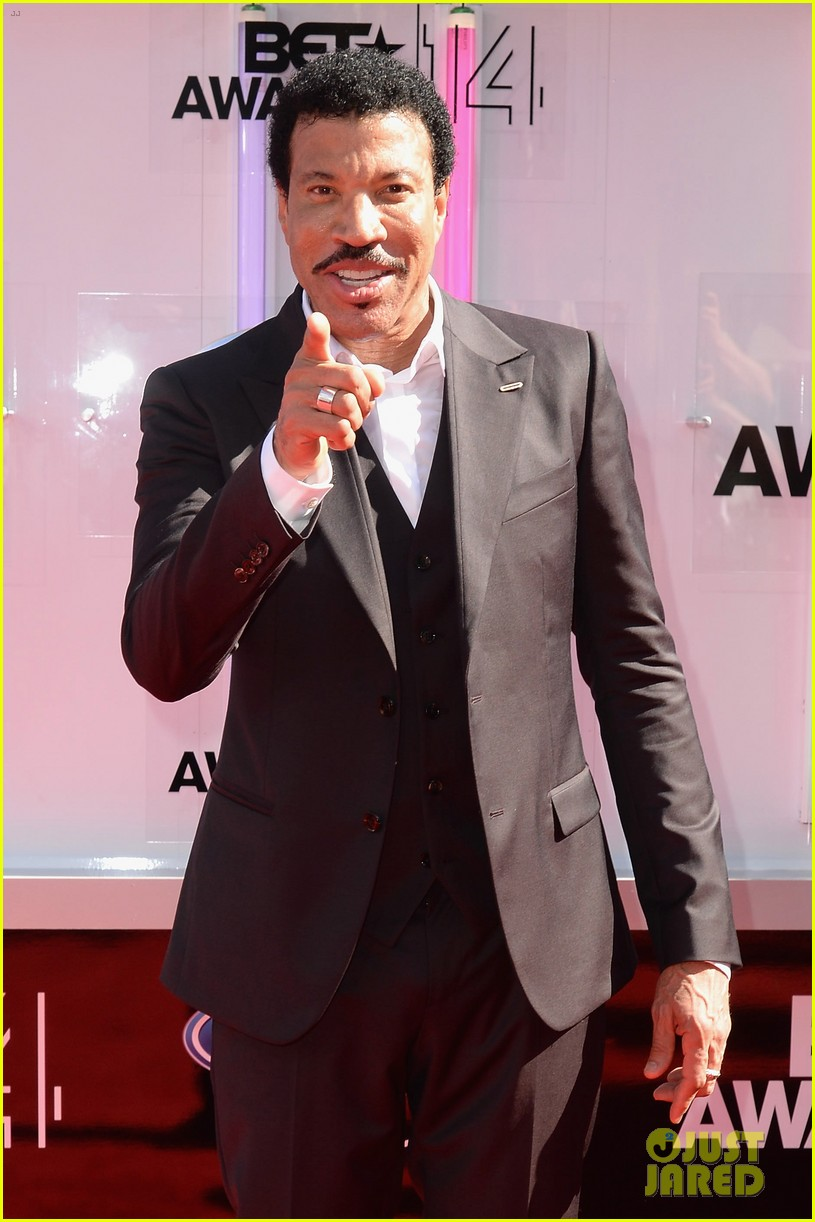 Lionel Richie Honored For Lifetime Achievement At Bet Awards 2014