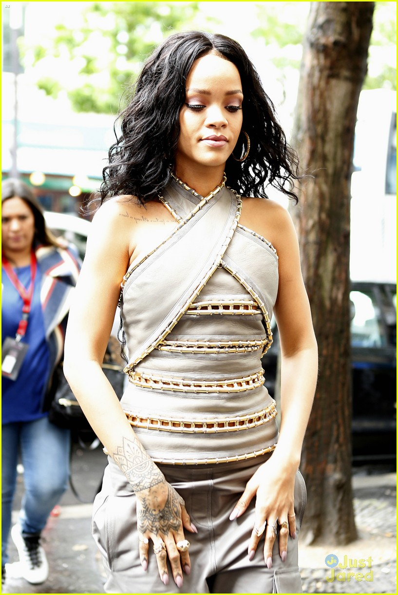 see how rihanna sheer dress was made 093128260