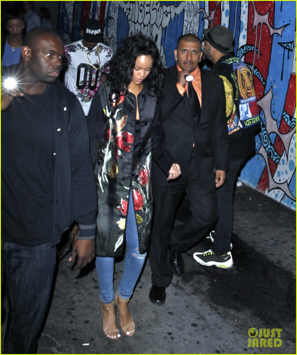 rihanna parties at playhouse 04