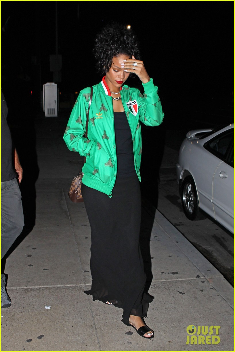 rihanna dinner after skipping the bet awards 083146670