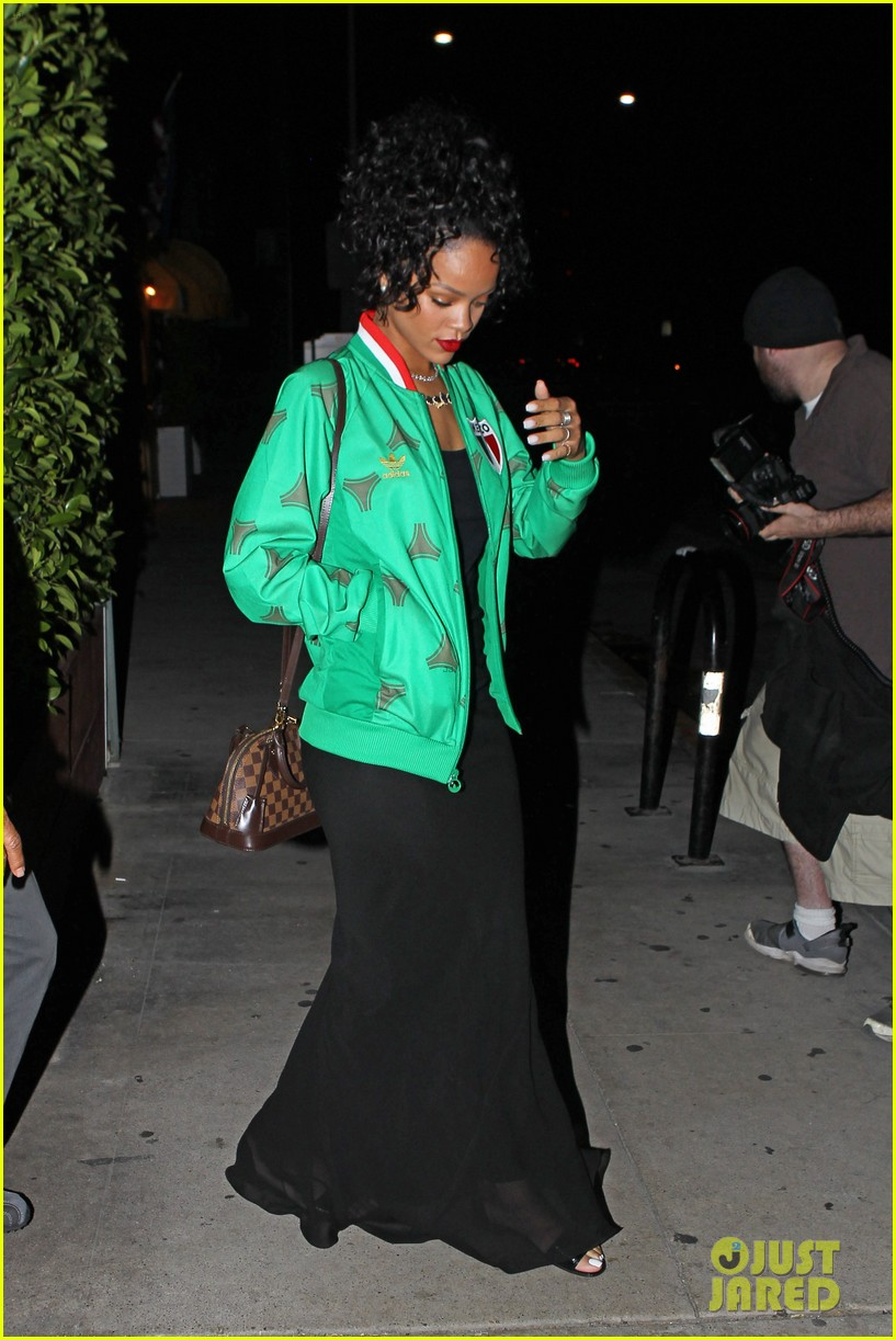 rihanna dinner after skipping the bet awards 193146681