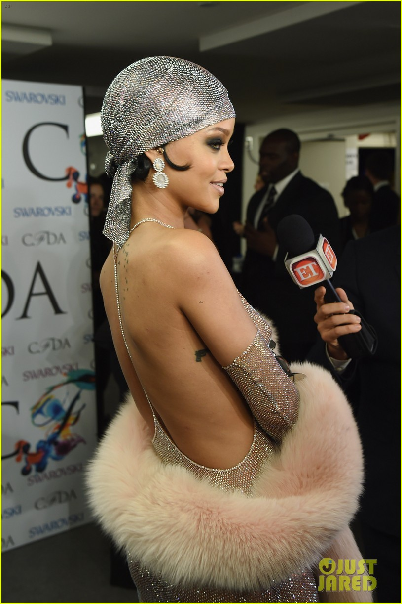 rihanna stylist talks her so naked dress at cfda awards 233127141