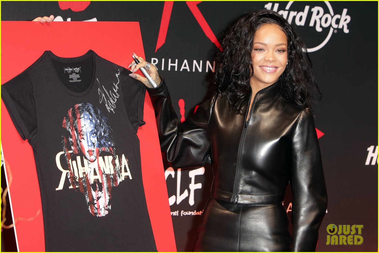 rihanna launches limited edition t shirt for charity 103128854