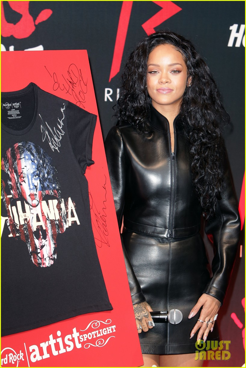 rihanna launches limited edition t shirt for charity 113128855