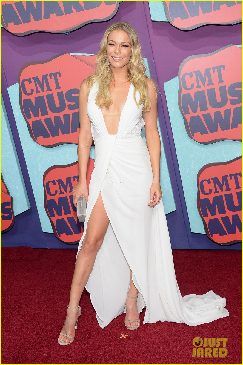leann rimes cmt music awards 2014 01