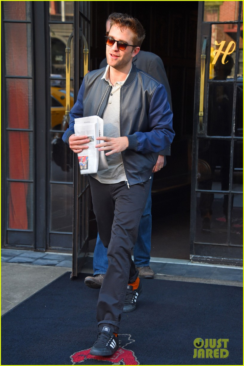 robert pattinson the rover good morning america 113137171