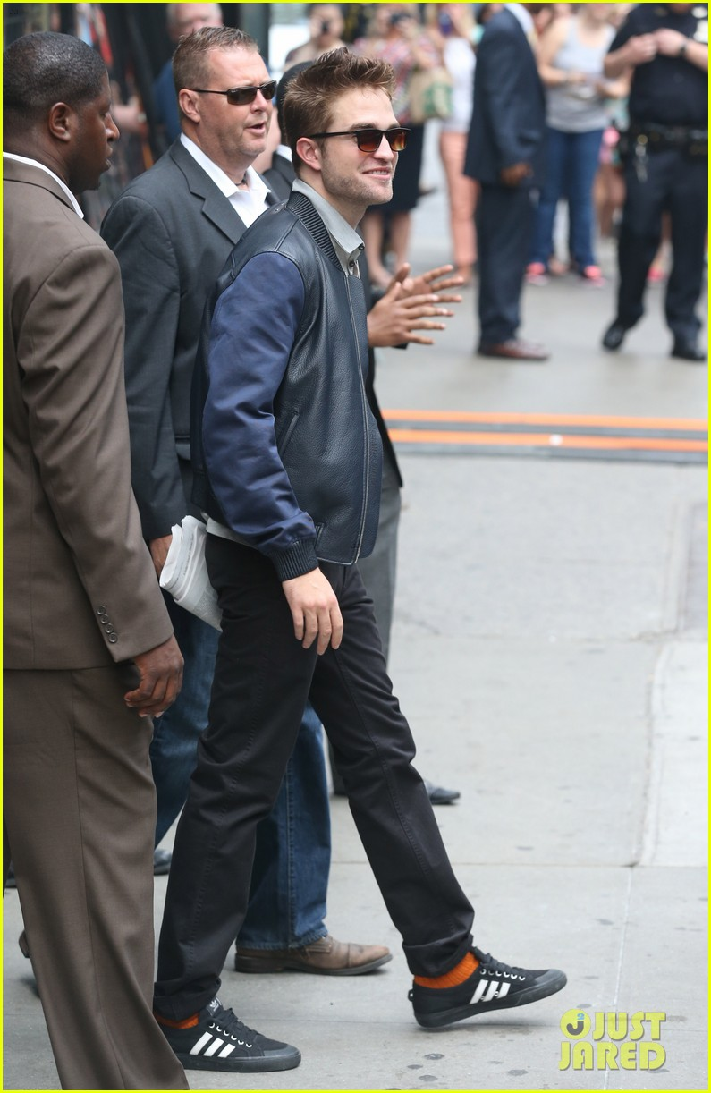 robert pattinson the rover good morning america 23