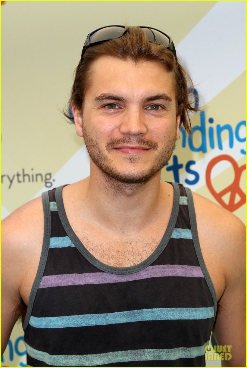 michelle rodriguez emile hirsch fundraise disadvantaged youth 023135820