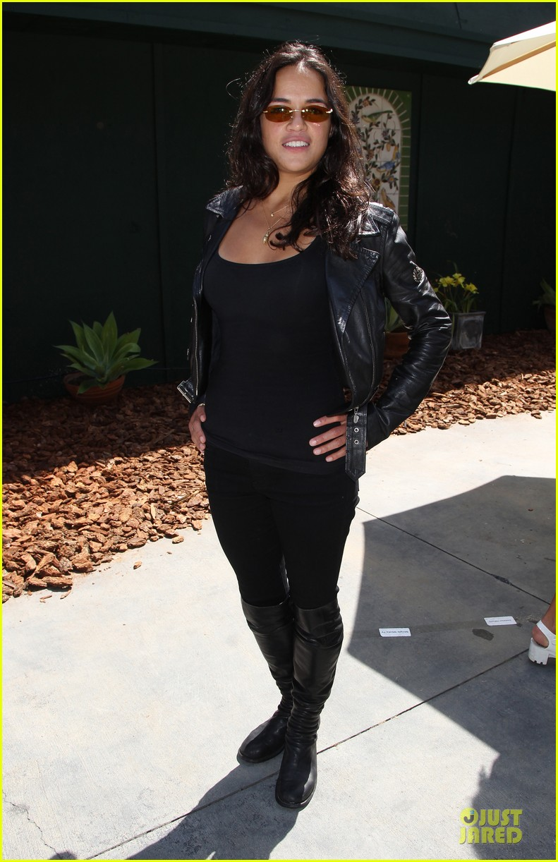 michelle rodriguez emile hirsch fundraise disadvantaged youth 14