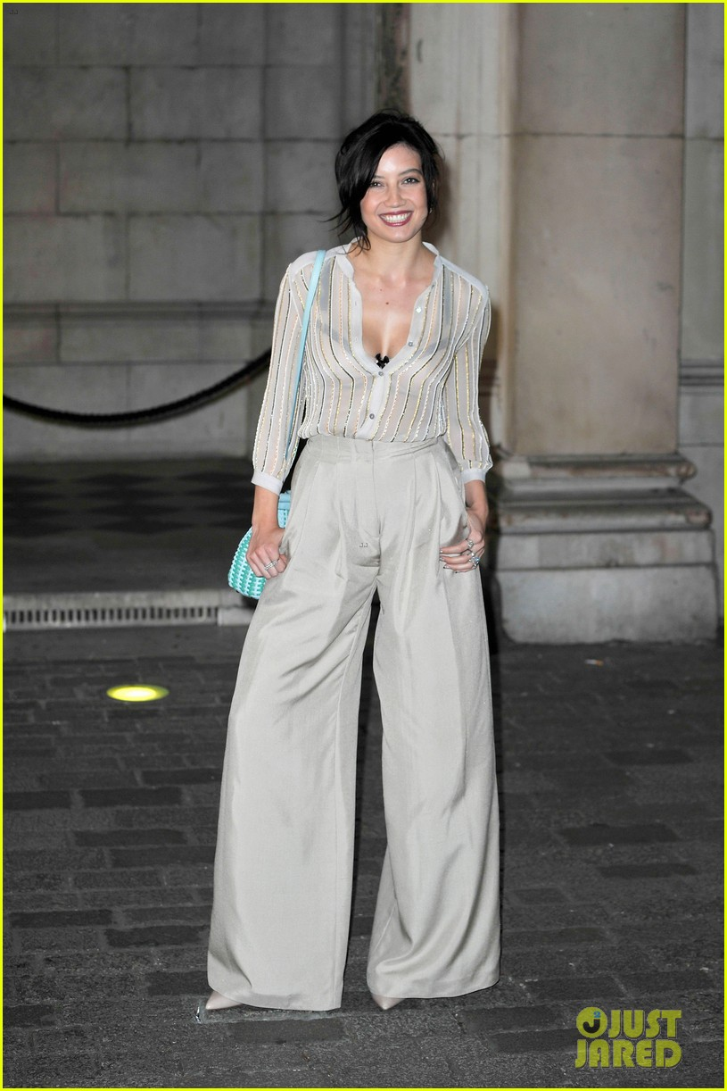 liberty ross daisy lowe keep it classy at royal academy summer exhibition 033128717