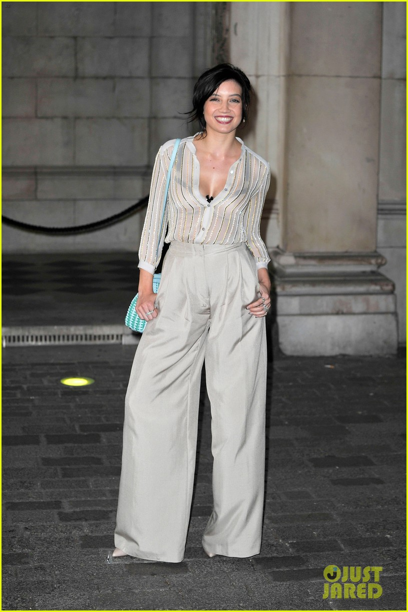 liberty ross daisy lowe keep it classy at royal academy summer exhibition 093128723