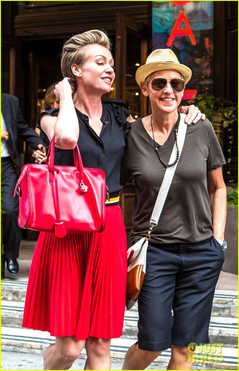 ellen degeneres portia de rossi hold hands tracy morgan 033140214