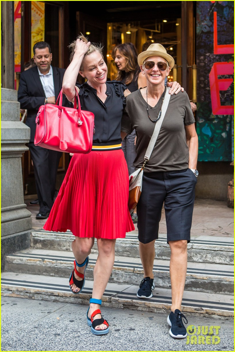 ellen degeneres portia de rossi hold hands tracy morgan 083140219