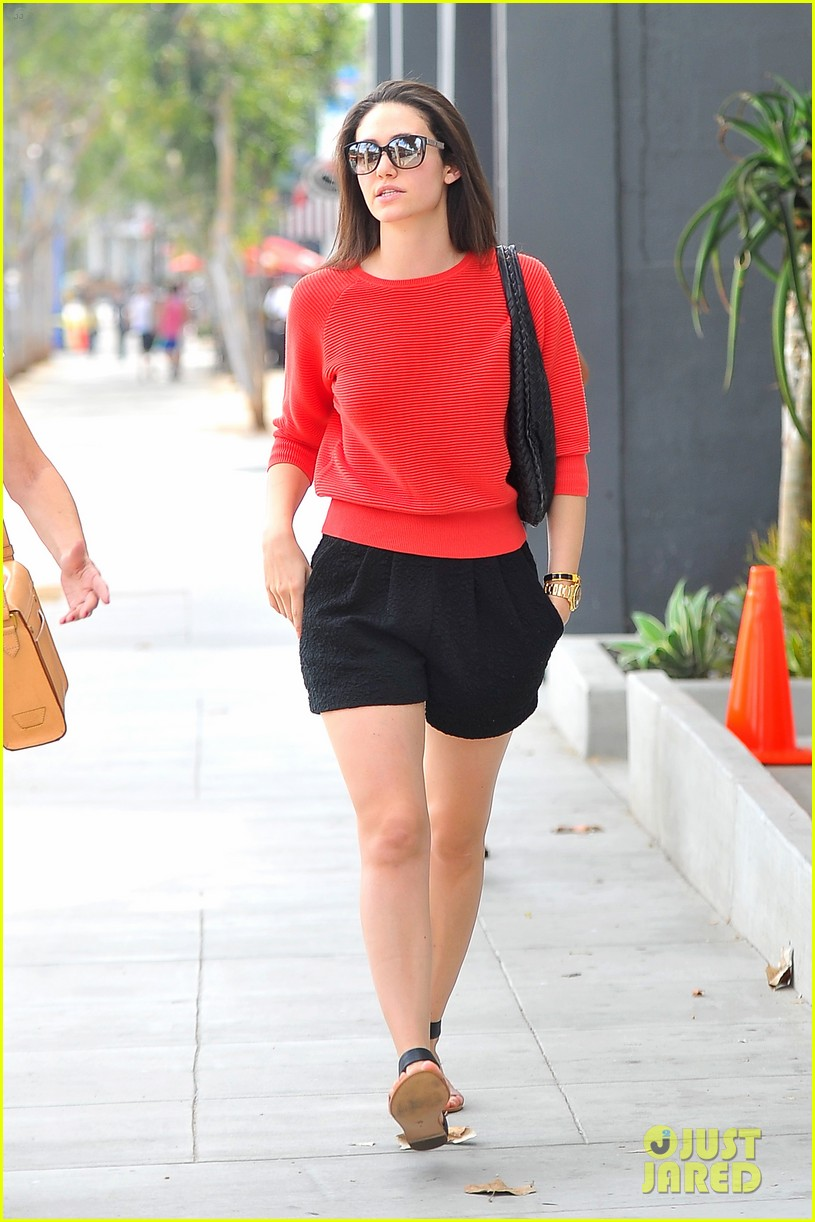emmy rossum red sweater sweetie 053141500