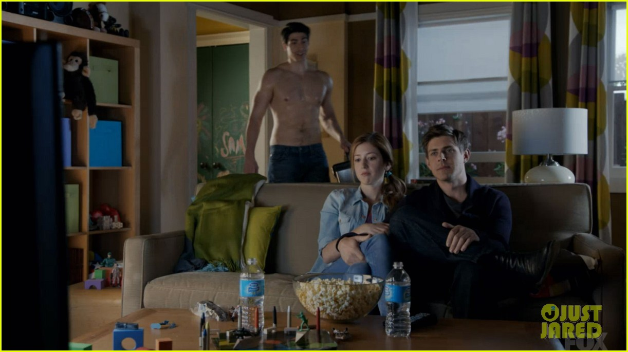 brandon routh enlisted guys go shirtless 013136385