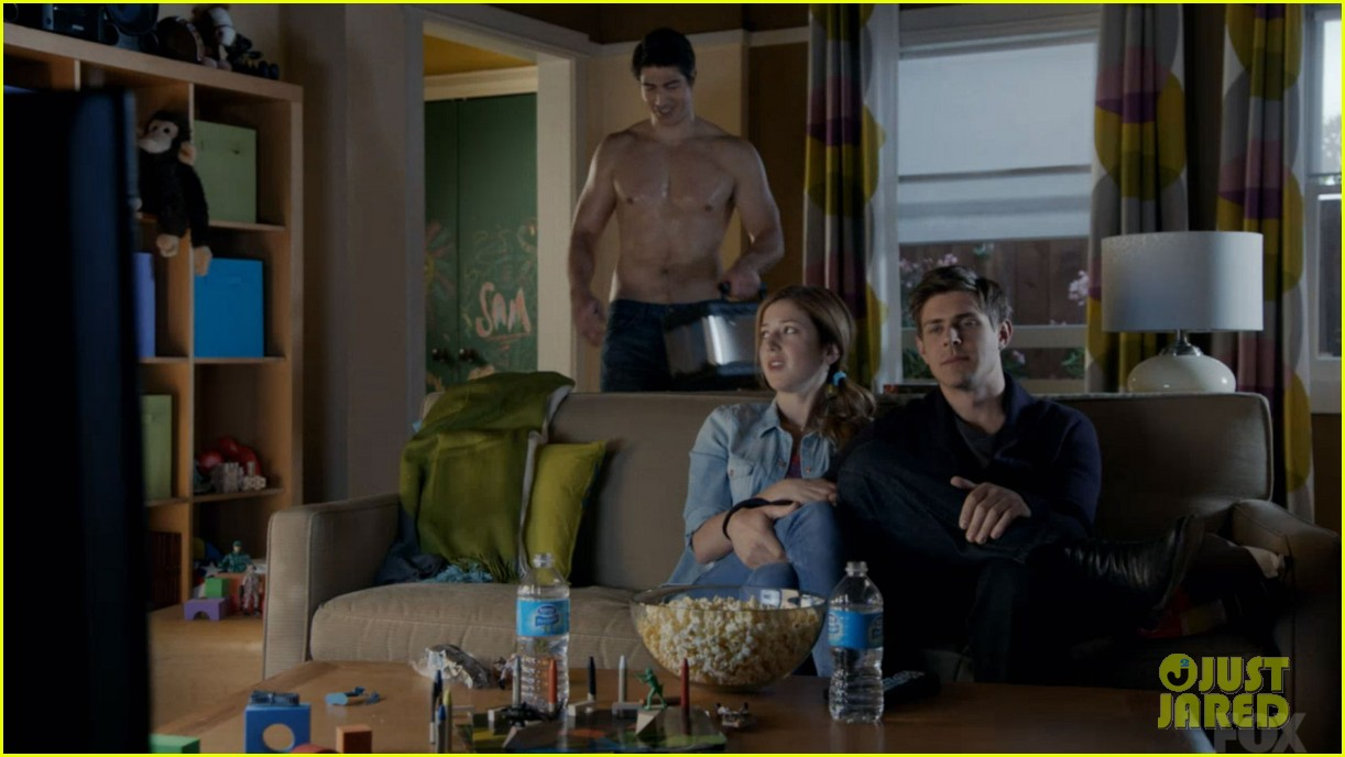 brandon routh enlisted guys go shirtless 033136387