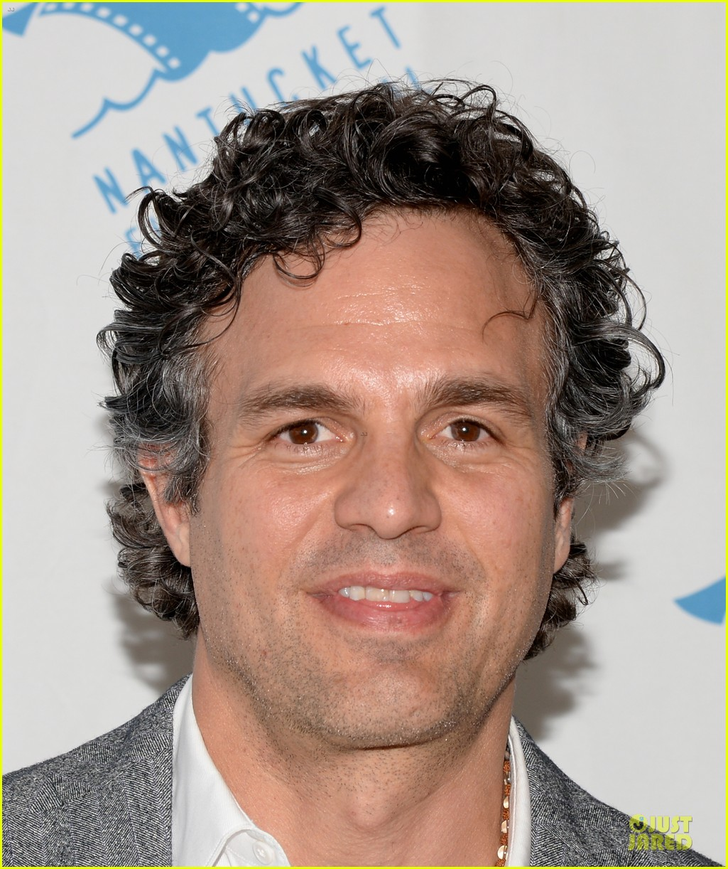 mark ruffalo blames ben affleck for ending friendship with jennifer garner 083145605