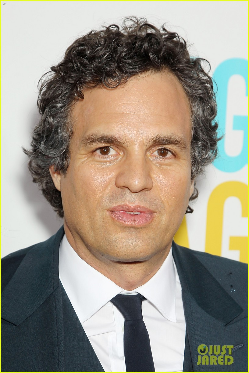 mark ruffalo brie larson begin again premiere 243143523