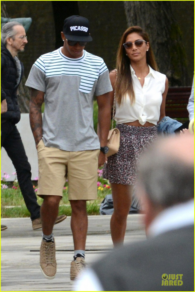 nicole scherzinger lewis hamilton look more in love 013127677