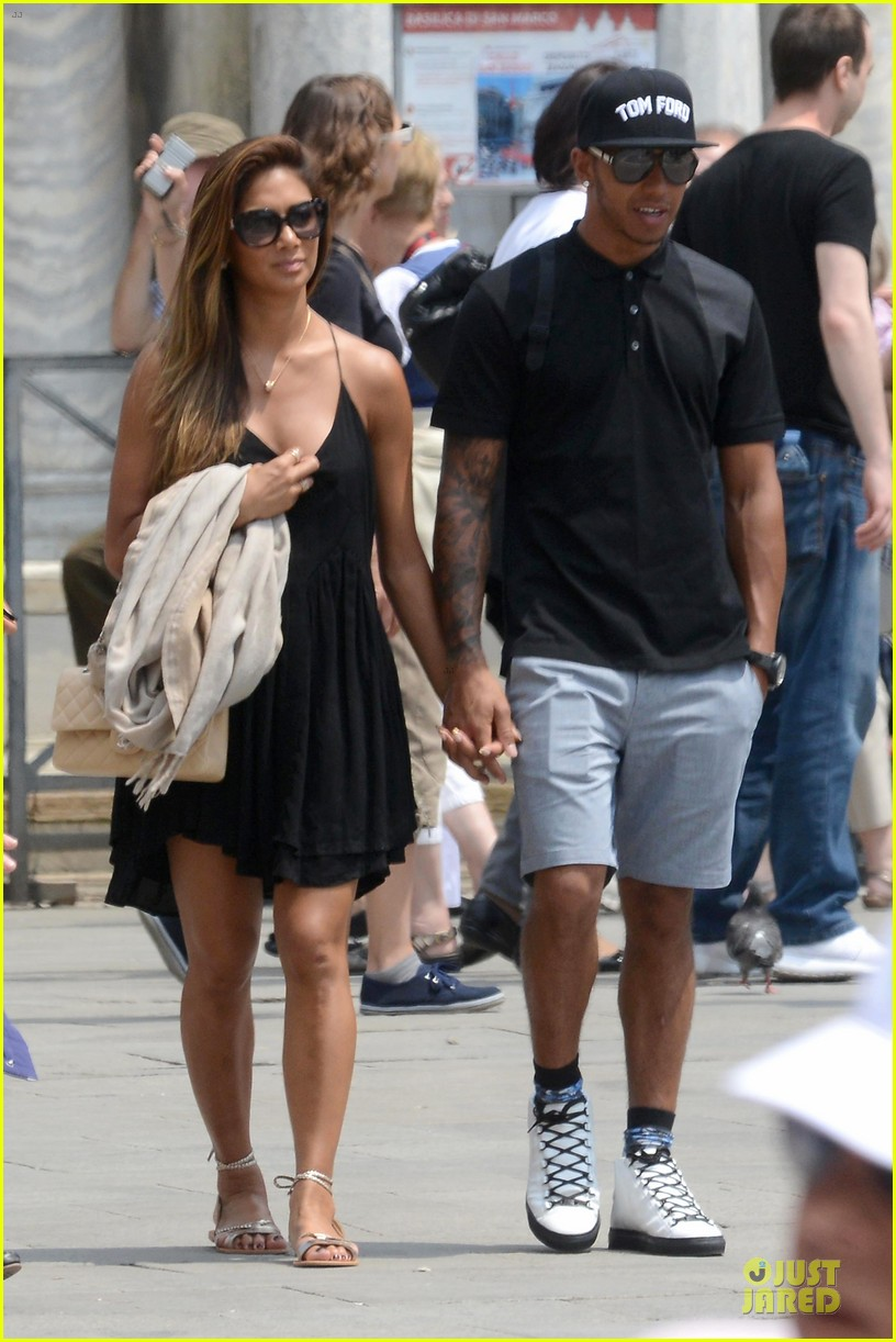 nicole scherzinger lewis hamilton look more in love 153127691